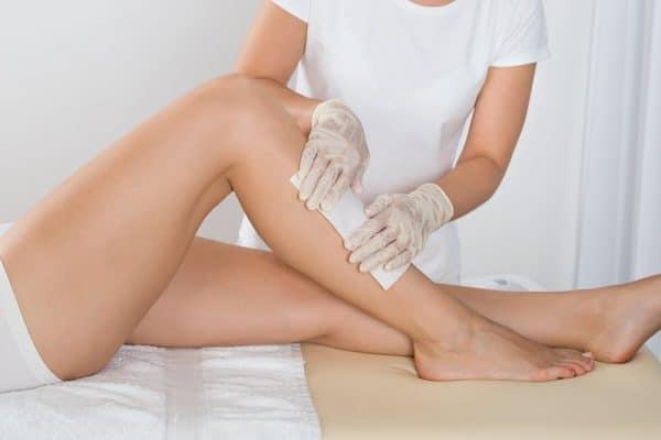 Comment épilez-vous vos jambes pour la première fois?